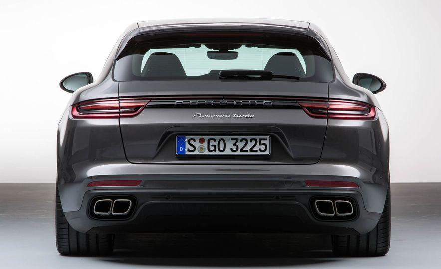 2018 Porsche Panamera Sport Turismo - Slide 23