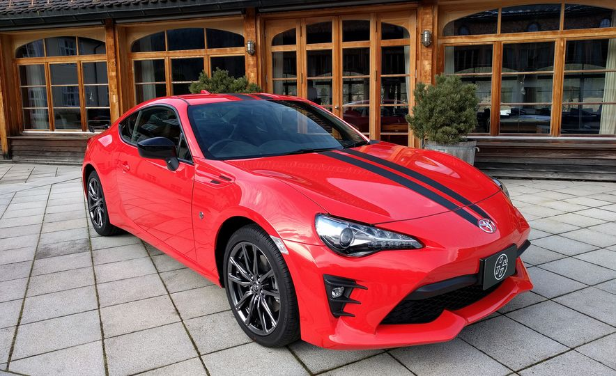 2017 Toyota 860 Special Edition - Slide 1