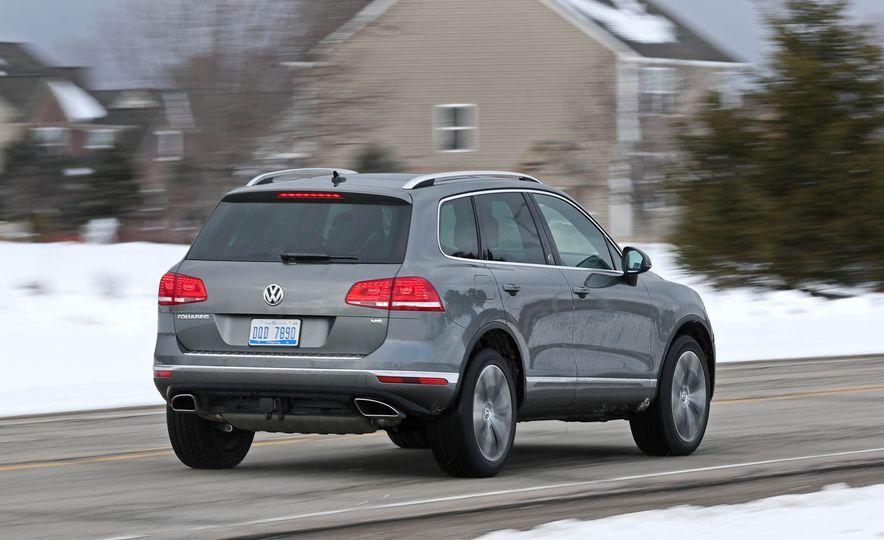 2017 Volkswagen Touareg - Slide 17