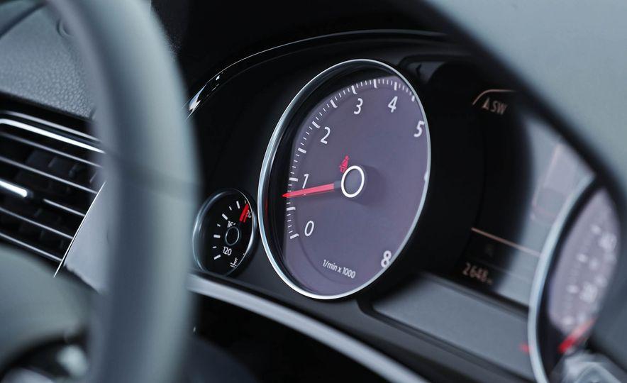 2017 Volkswagen Touareg - Slide 44