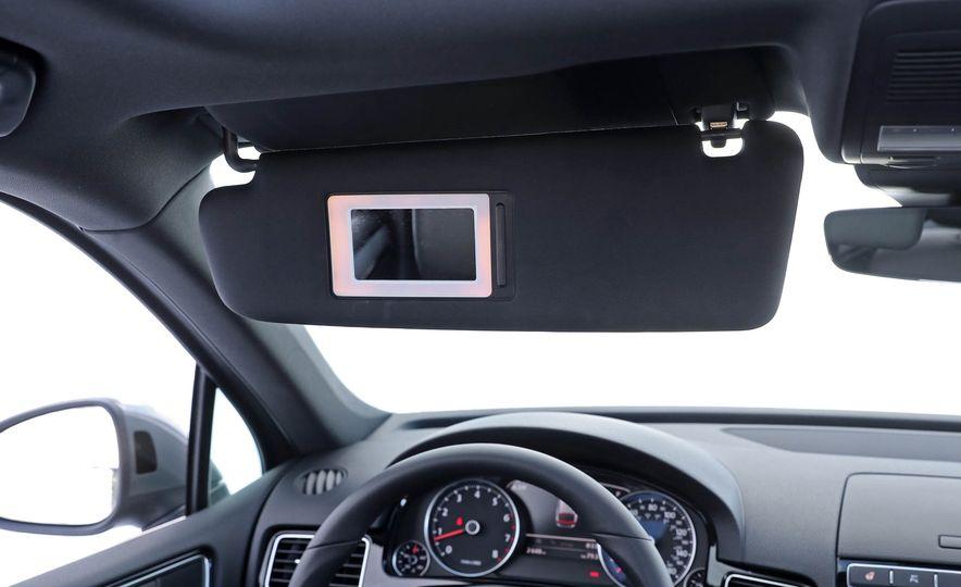 2017 Volkswagen Touareg - Slide 66