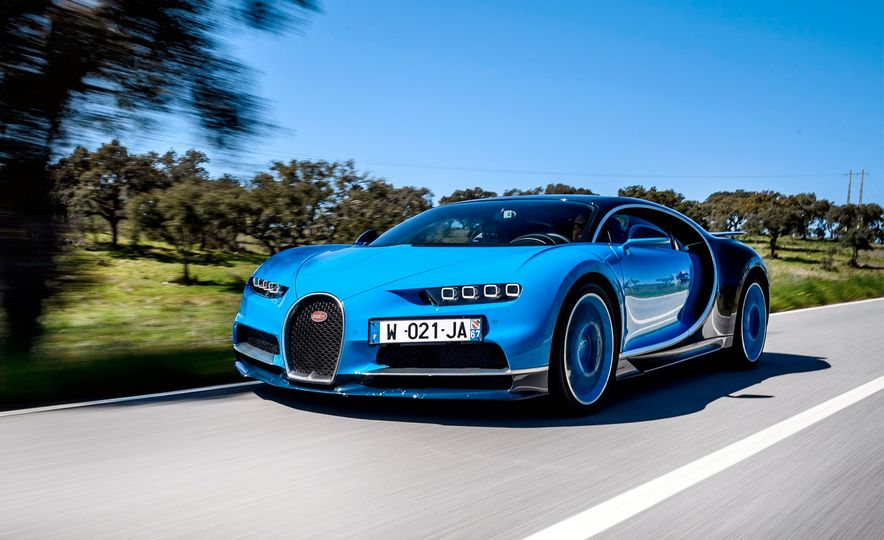 2017 Bugatti Chiron - Slide 1