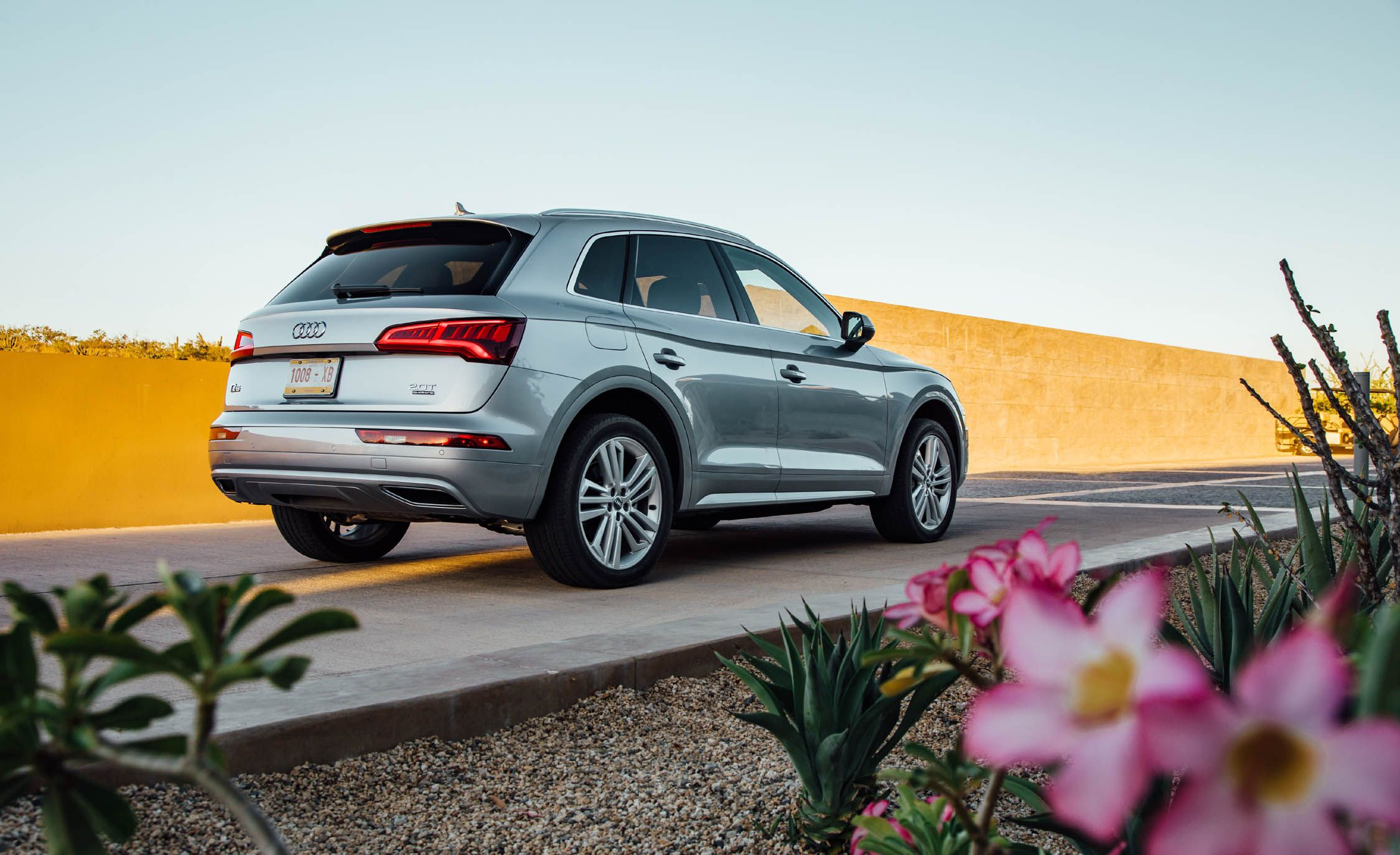 2019 Audi Q5 Reviews Audi Q5 Price Photos And Specs Car And Driver