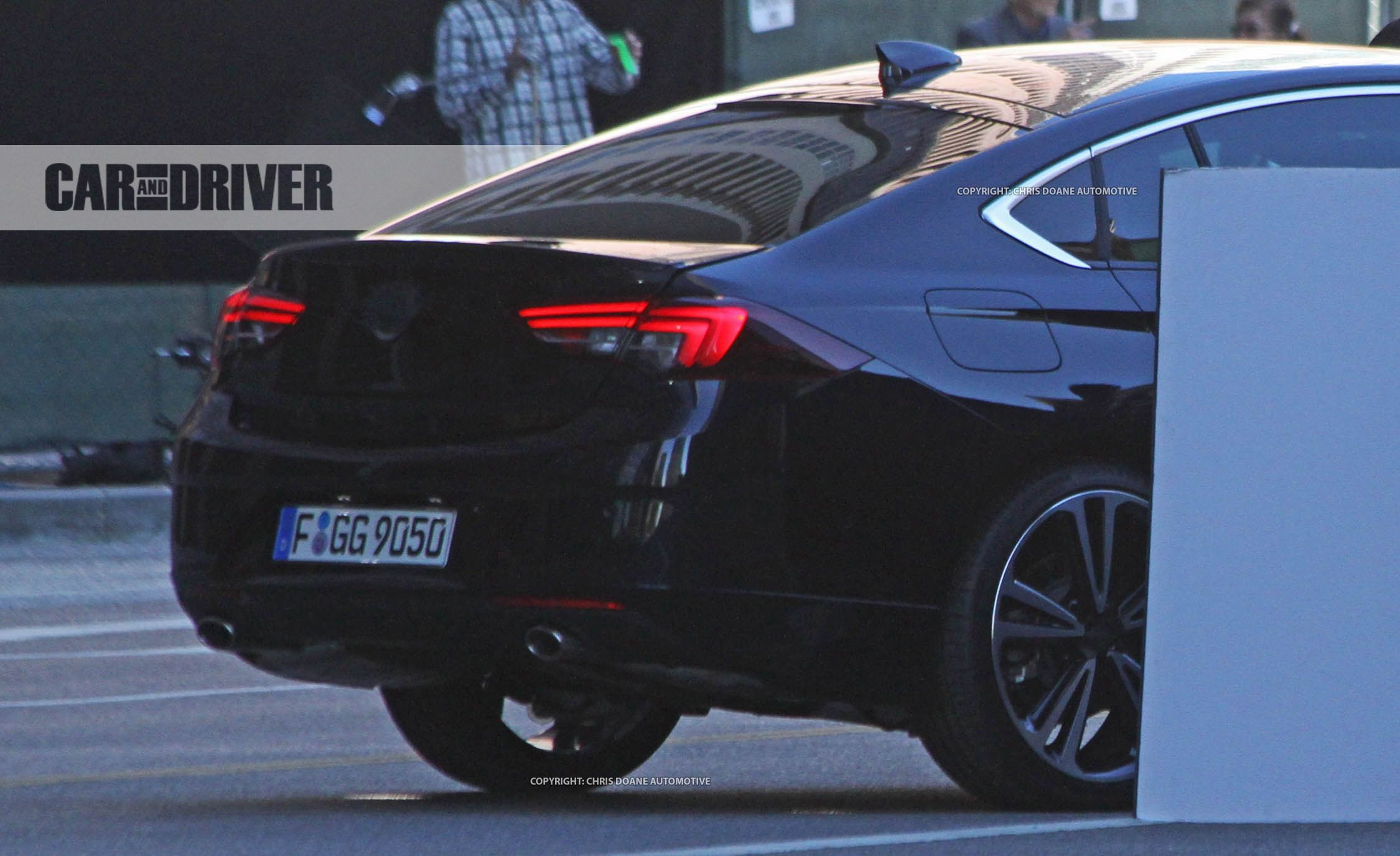 2018 Buick Regal Photo Gallery