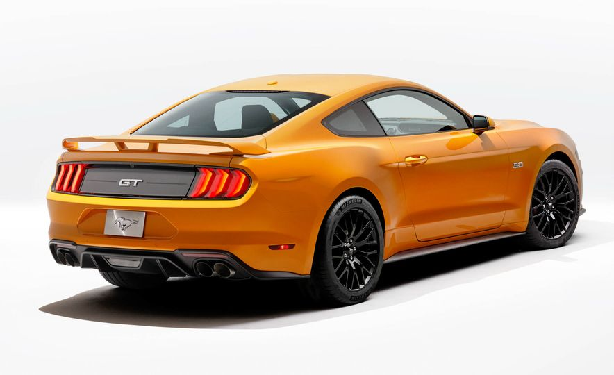 2018 Ford Mustang GT500 (spy photo) - Slide 34