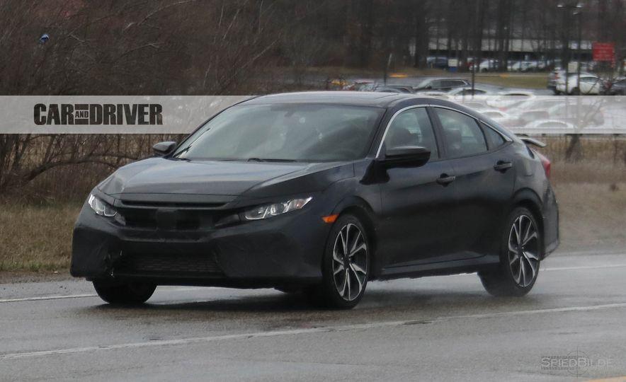 2017 Honda Civic Si sedan (spy photo) - Slide 3