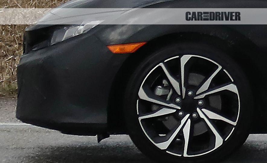 2017 Honda Civic Si sedan (spy photo) - Slide 16