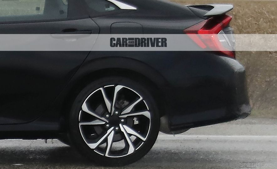 2017 Honda Civic Si sedan (spy photo) - Slide 17