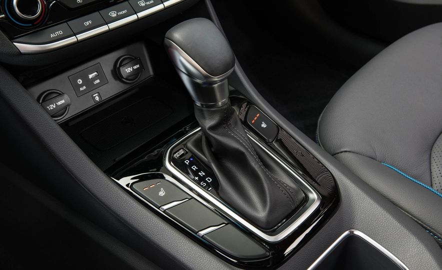 2018 Hyundai Ioniq plug-in hybrid - Slide 34