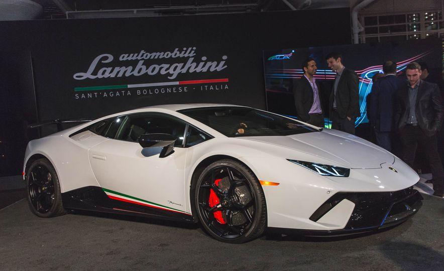 2018 Lamborghini Huracan Performante - Slide 3