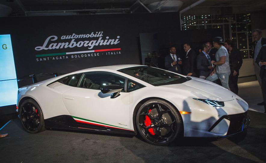 2018 Lamborghini Huracan Performante - Slide 4