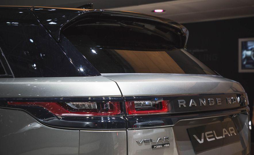 2018 Land Rover Range Rover Velar - Slide 4
