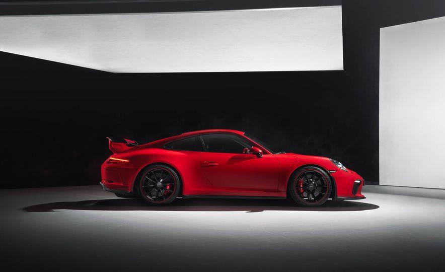 2018 Porsche 911 GT3 - Slide 14