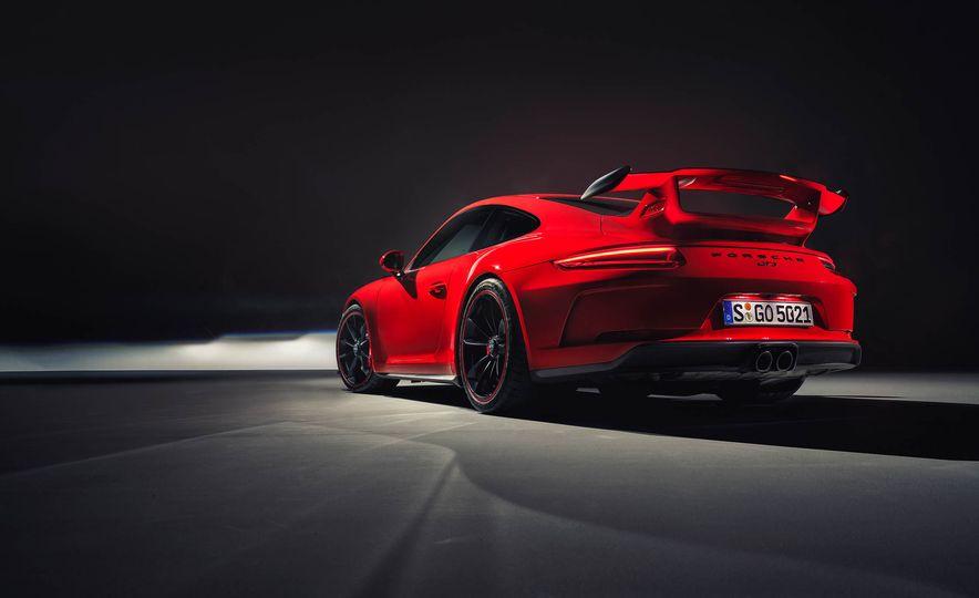 2018 Porsche 911 GT3 - Slide 15
