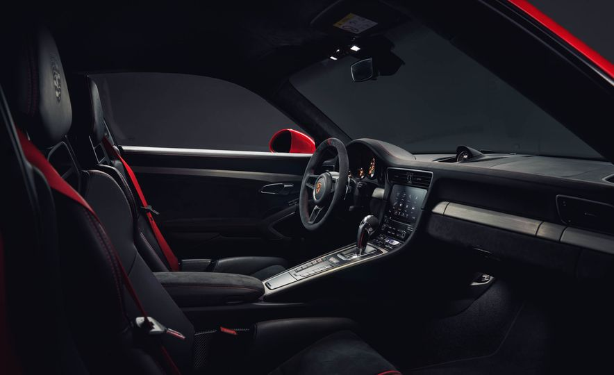 2018 Porsche 911 GT3 - Slide 29