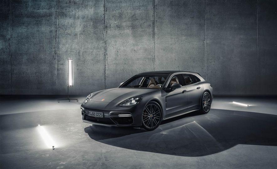 2018 Porsche Panamera Sport Turismo - Slide 34