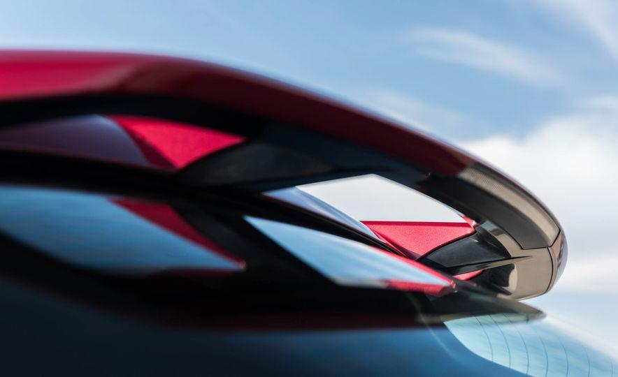 2018 Toyota C-HR - Slide 11