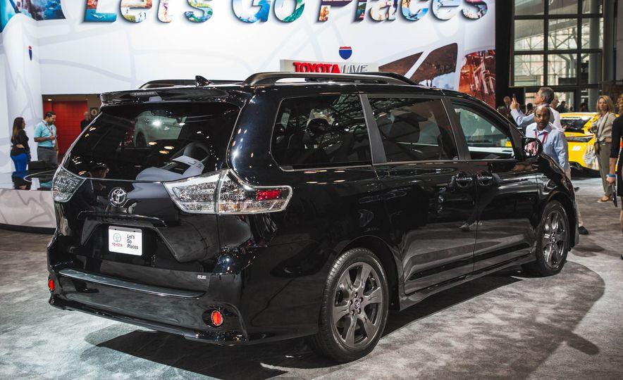 2018 Toyota Sienna - Slide 4