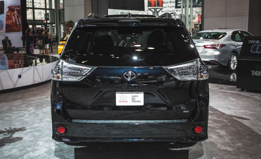 2018 Toyota Sienna - Slide 5