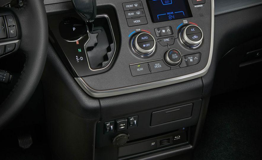 2018 Toyota Sienna - Slide 16