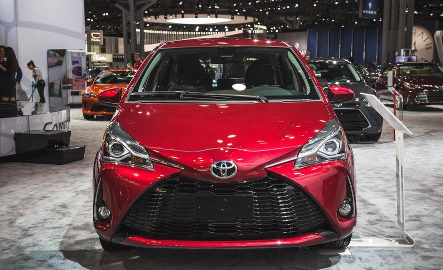 2018 Toyota Yaris - Slide 1