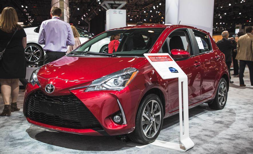 2018 Toyota Yaris - Slide 2