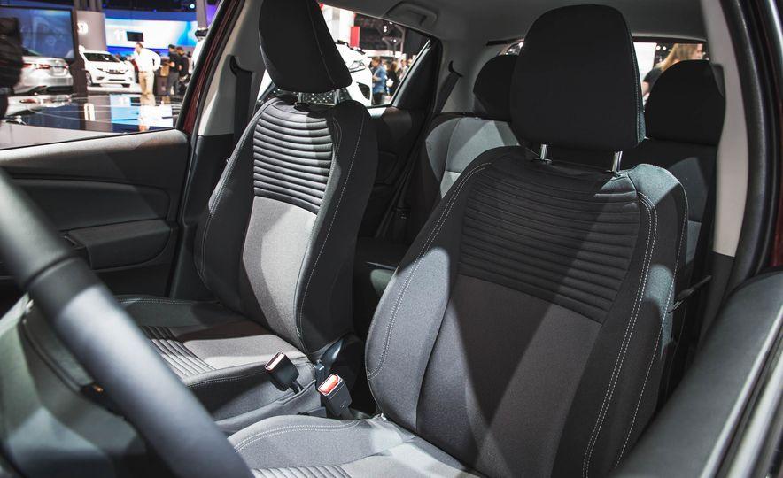 2018 Toyota Yaris - Slide 10