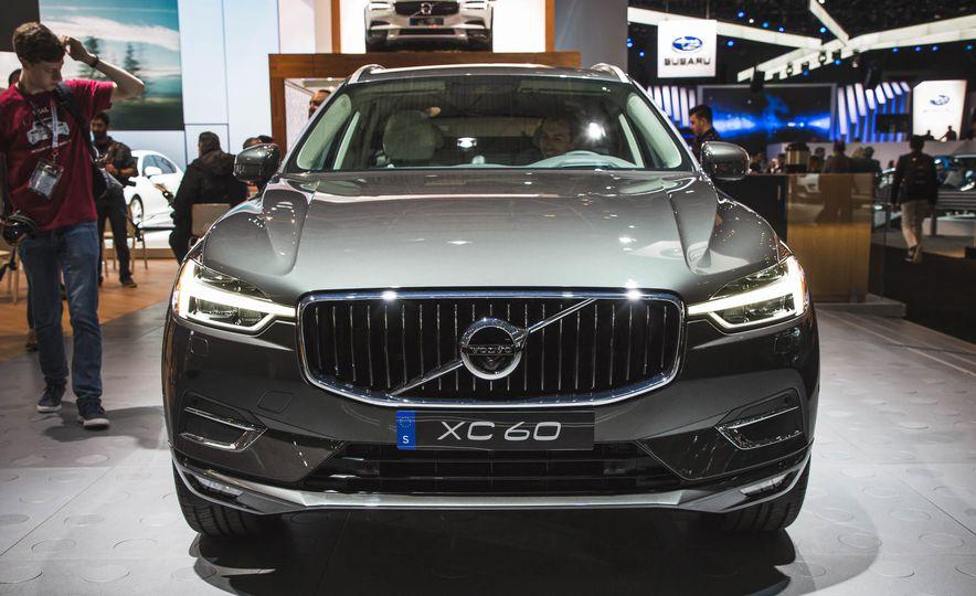 2018 Volvo XC60 - Slide 1