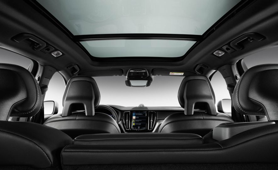 2018-Volvo-XC60-PLACEMENT - Slide 13