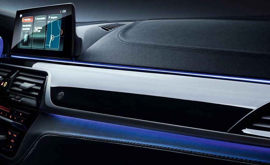 2017 BMW Alpina B5 Biturbo - Slide 8