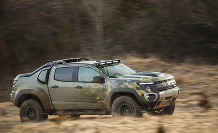 Chevrolet Colorado ZH2 Concept: An Experiment with an Eye toward the Military Vehicles of Tomorrow – First Ride