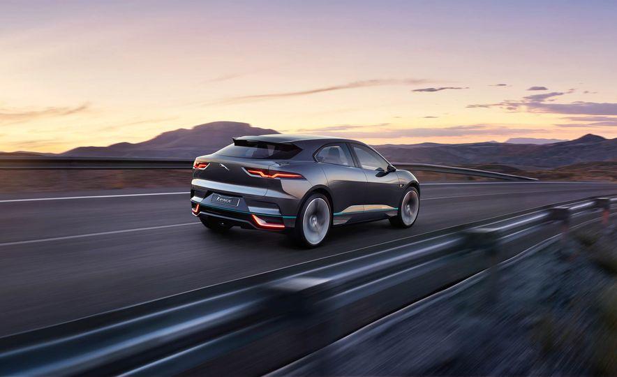 Jaguar I-Pace Concept - Slide 25