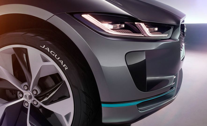 Jaguar I-Pace Concept - Slide 32