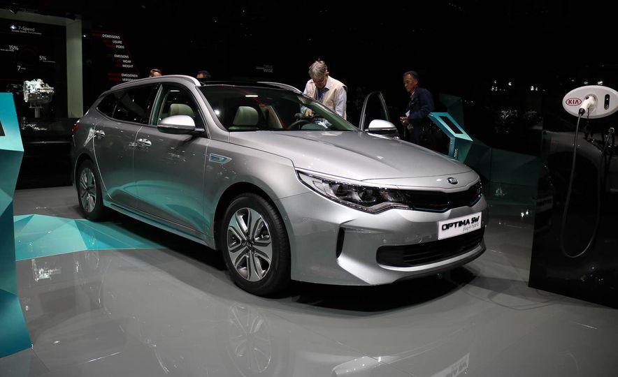 Kia Optima Sportswagon plug-in hybrid - Slide 1