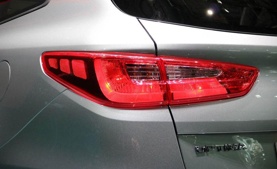 Kia Optima Sportswagon plug-in hybrid - Slide 6