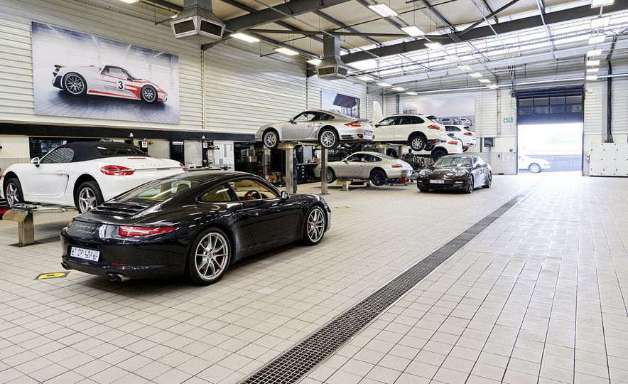 This Is the Largest Porsche Dealership in the World - Slide 6