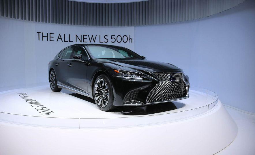 2018 Lexus LS500h - Slide 1