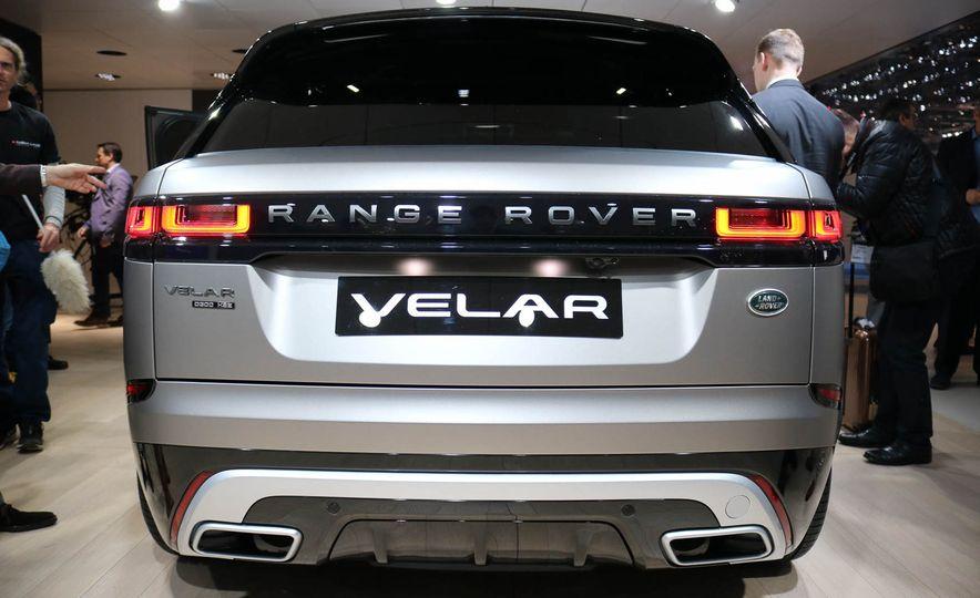 2018 Land Rover Range Rover Velar - Slide 15
