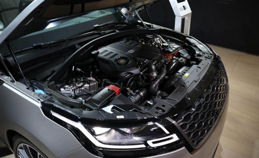 2018 Land Rover Range Rover Velar - Slide 23