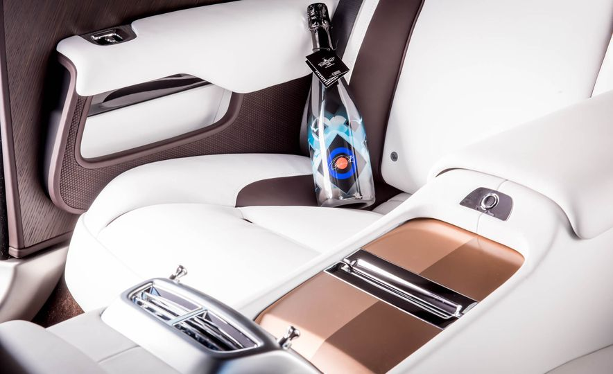 Rolls-Royce Wraith Inspired by British Music - Slide 15
