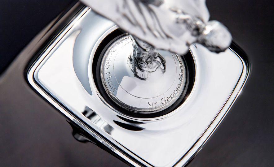 Rolls-Royce Wraith Inspired by British Music - Slide 17