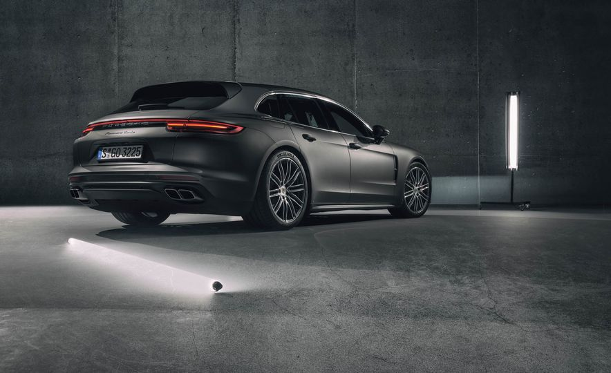 2018 Porsche Panamera Sport Turismo - Slide 37