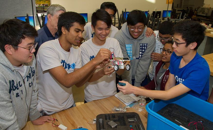 Why High-Schoolers Are Building Remote-Controlled Fuel-Cell Race Cars - Slide 8