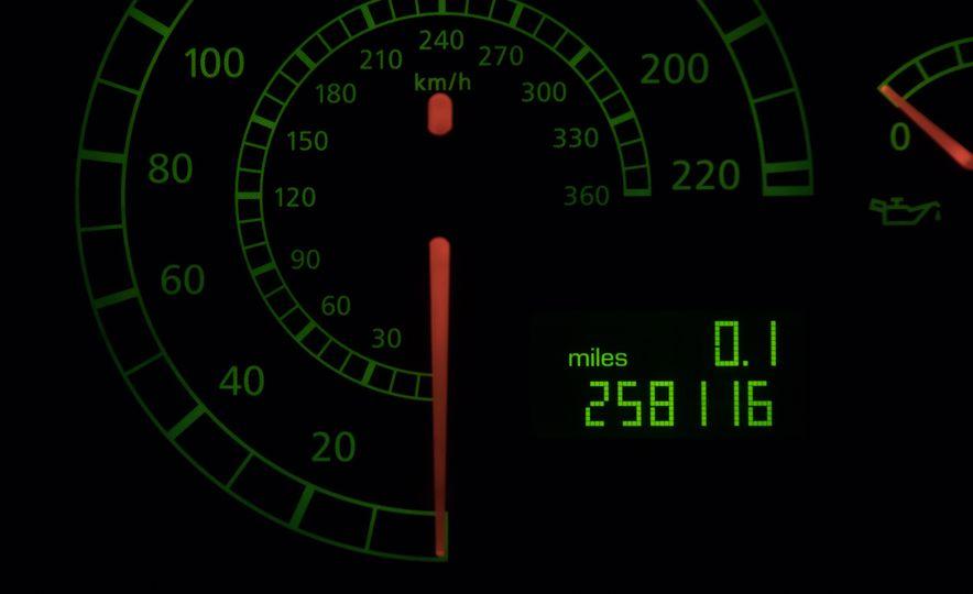 2004 Lamborghini Murcielago - Slide 19
