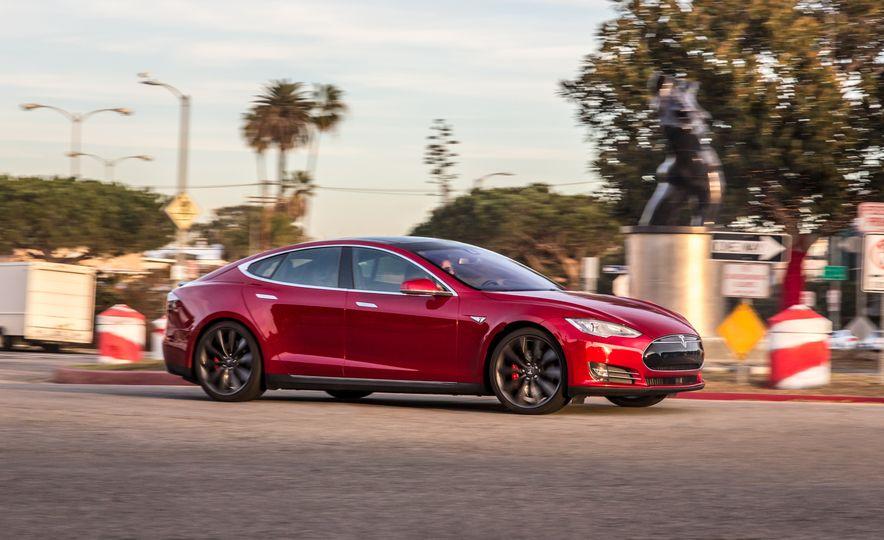 2015 Tesla Model S P85D - Slide 2