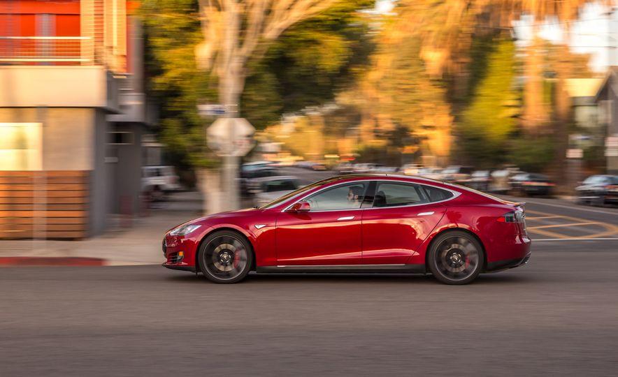2015 Tesla Model S P85D - Slide 3