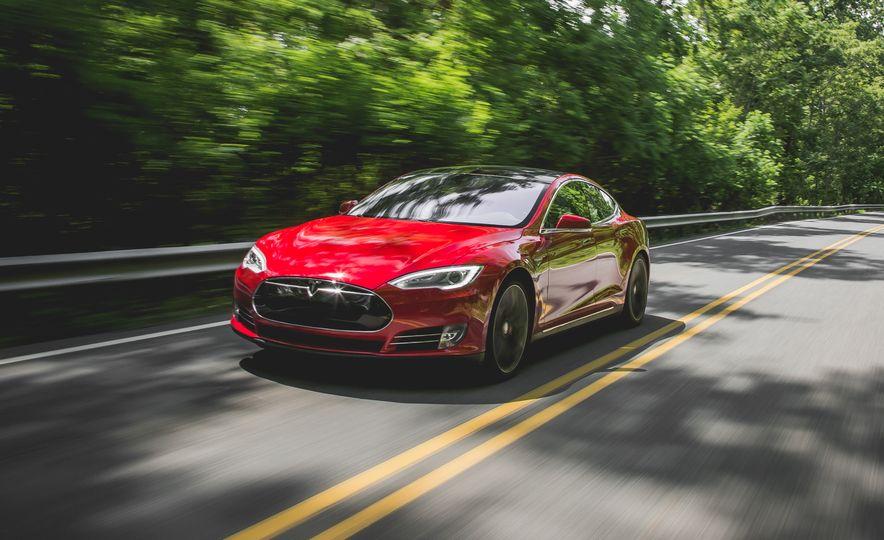 2015 Tesla Model S P85D - Slide 4