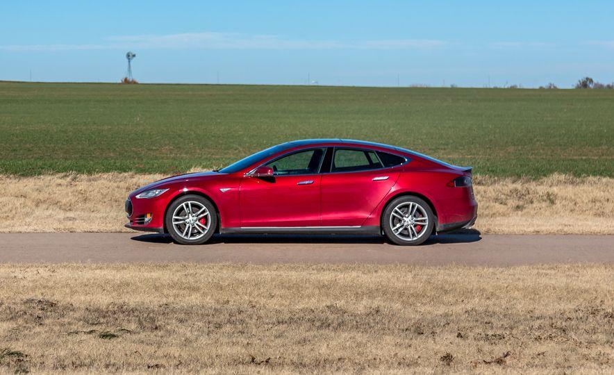 2015 Tesla Model S P85D - Slide 6