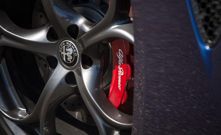 The 505-HP 2017 Alfa Romeo Giulia Quadrifoglio's Hotness, Visually Explained - Slide 6