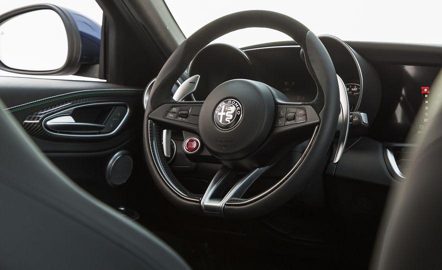 The 505-HP 2017 Alfa Romeo Giulia Quadrifoglio's Hotness, Visually Explained - Slide 12